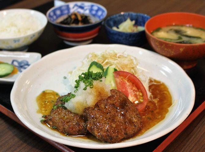 花のれん 賄い料理が人気ランチに 福岡県春日市