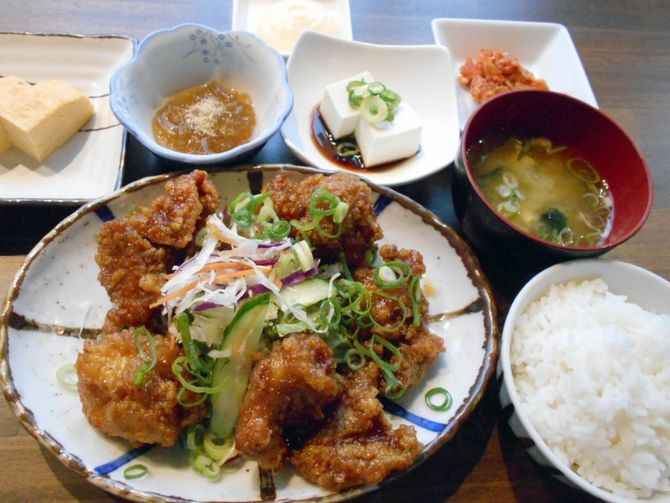 今泉キッチン 食べ応えある定食が充実 福岡市中央区