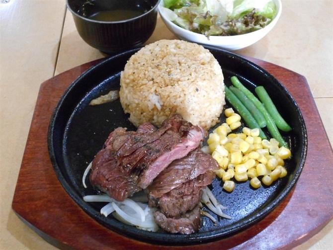 肉押し 赤身のステーキを気軽に 福岡市中央区