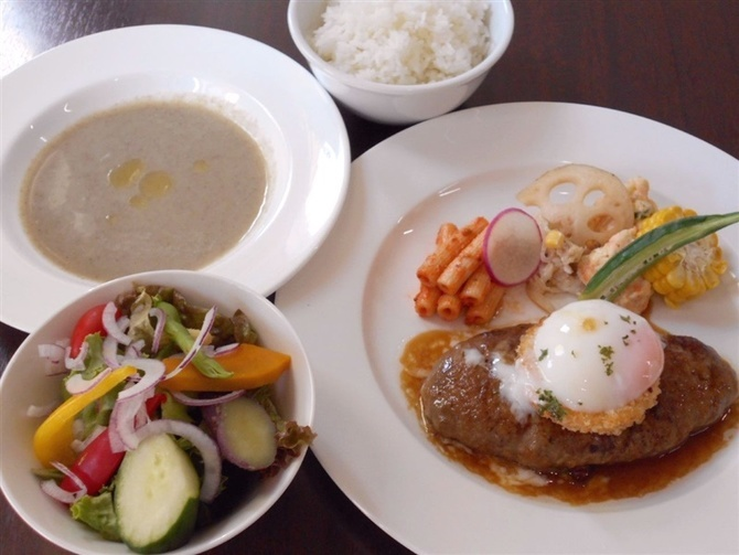 食堂酒場 UBRIACO 3月に移転した洋食の店 福岡市中央区