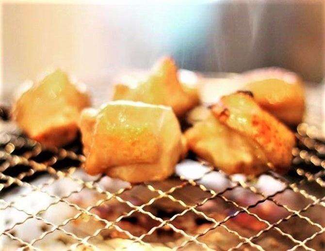 大衆酒場 たこ金 網焼きの知覧鶏を豪快に 佐賀県鳥栖市
