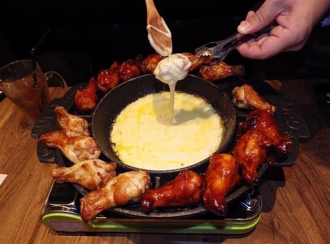 グッネチキン福岡天神店 鶏肉のチーズフォンデュ 福岡市中央区