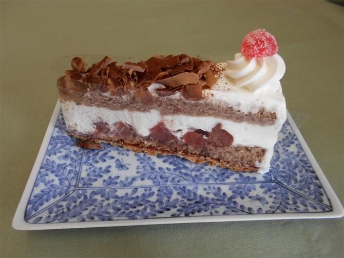 手造りドイツケーキの店ハイジ お薦めは定番シュバルツ 福岡市博多区