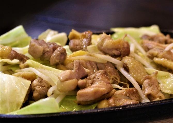 地鶏と小料理 和さび 朝絞め地鶏の際立つ食感 福岡県那珂川市