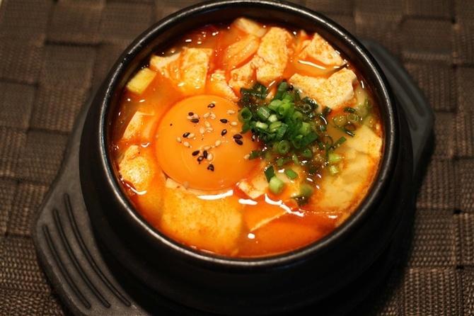 韓国料理ハンウリ 本場の味を再現した料理 福岡市中央区