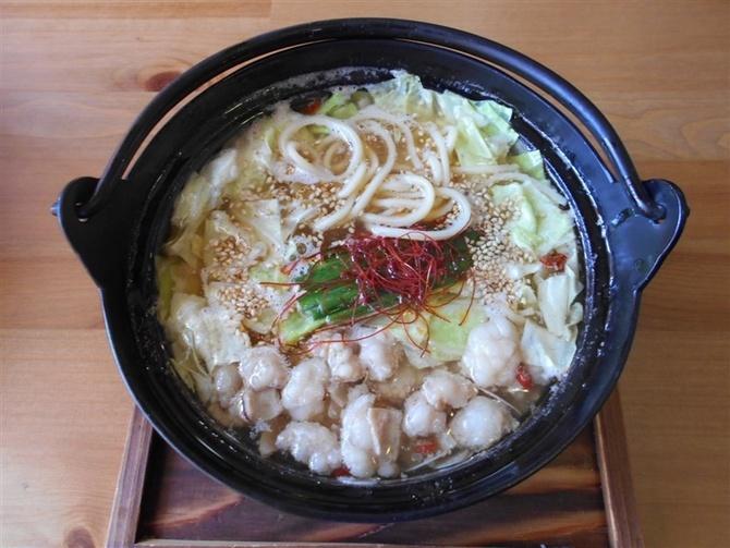 幸ちゃん食堂 もつ鍋風ラーメンが人気 福岡市博多区