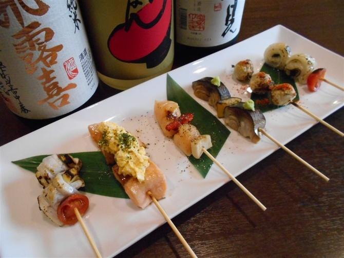 はかたこぶし 新鮮な魚介の串物が好評 福岡市中央区