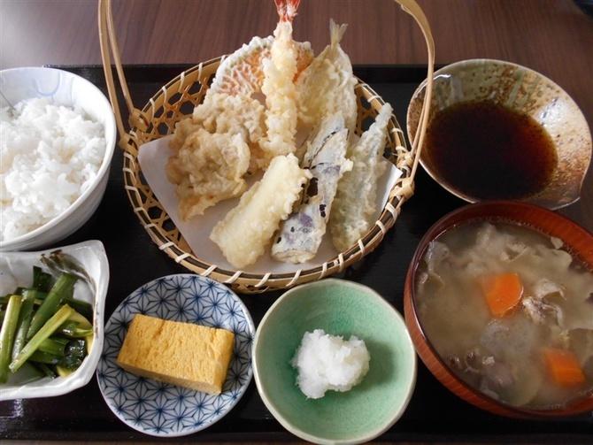 天ぷら 令月 まろやかな天つゆも自慢 福岡市中央区