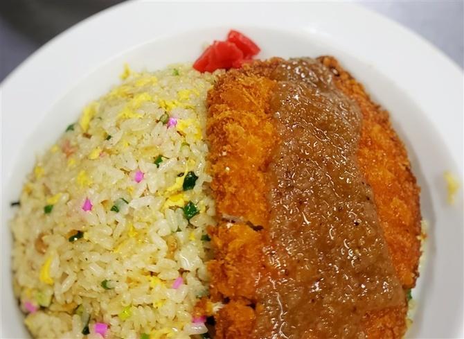 南国食堂 カツがのる特製焼きめし 福岡県久留米市