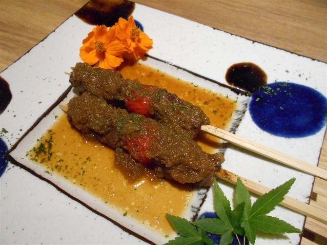 にく串や 牛肉のすしや串物が自慢 福岡市中央区