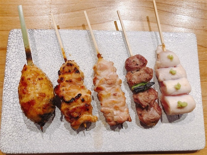 焼鳥あたらよ ワインによく合う串物を 福岡市中央区