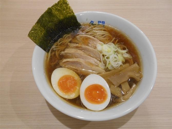 中華そば 名門 水炊きスープのラーメン 福岡市中央区