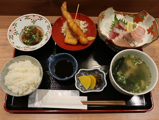 天神 大晴海 海鮮を使った定食が好評 福岡市中央区