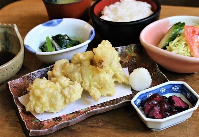 古賀久 100年酒場の人気定食 福岡県久留米市