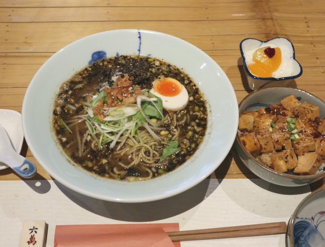 武魁(ウークイ) 本格的な四川料理が好評 福岡市中央区