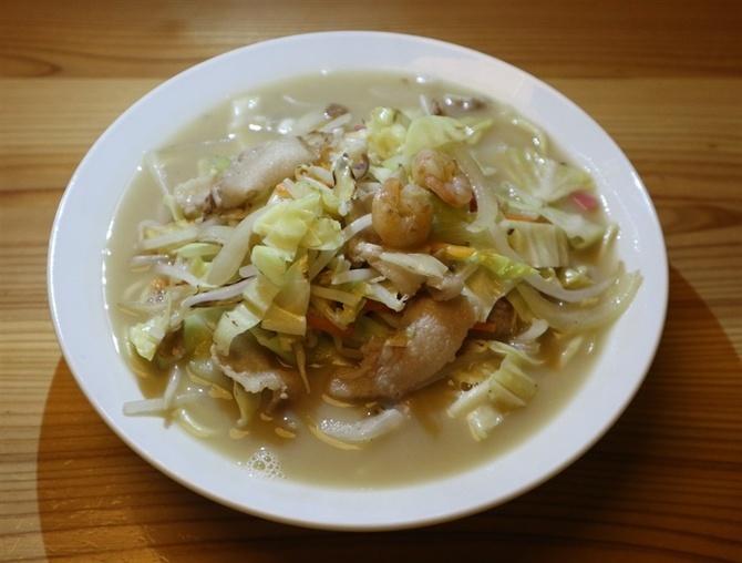 鶏白湯(パイタン)ちゃんぽん専門店しばた 深みのあるスープが自慢 福岡市中央区