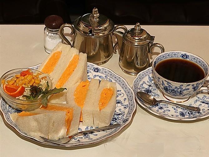 珈琲(コーヒー)冨士男 古き良き喫茶店の安らぎ 長崎市鍛冶屋町