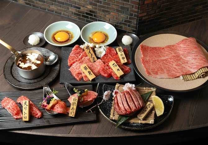 焼肉酒場 にくまる 春吉店 カウンター席で焼き肉を 福岡市中央区