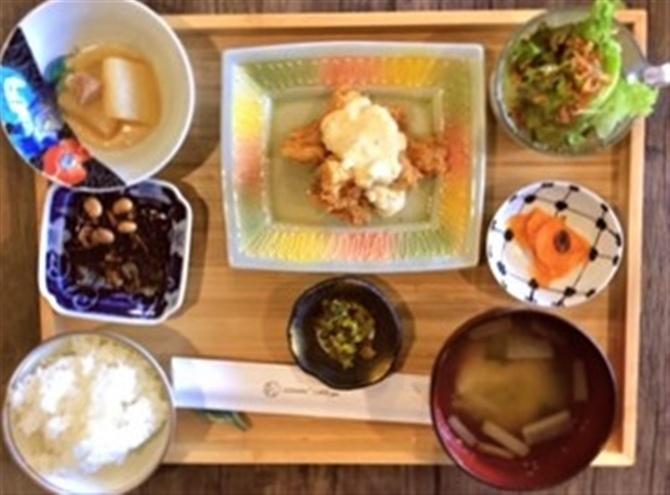 GOHAN+CAFE pin メインが選べる二つの定食 福岡県久留米市