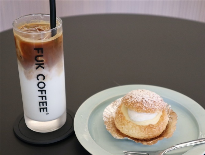 FUK COFFEE Parks 開放的な空間でくつろぐ 福岡市中央区