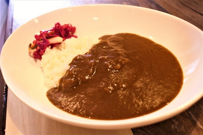 カフェ アイリス 3種の健康カレーが人気 福岡県久留米市