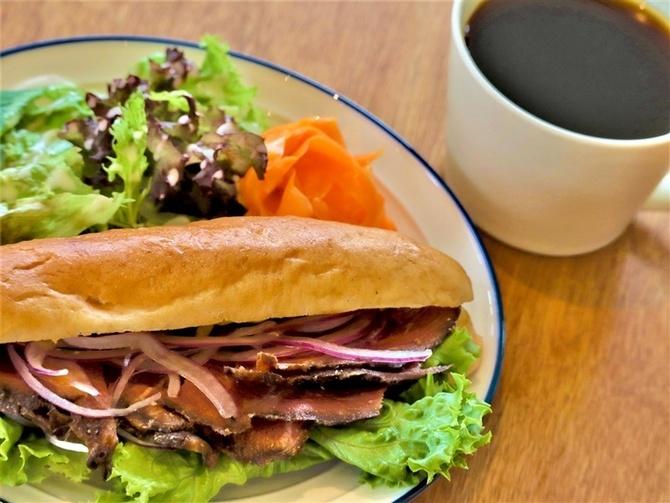 Stong Cafe ロースト牛サンドが人気 福岡市西区