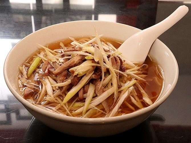 中国料理 紅灯記 うま味満載の「ネギソバ」 長崎市万才町