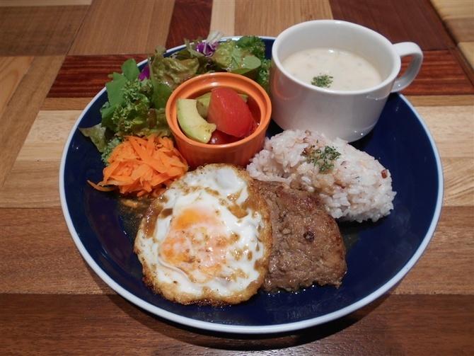 MAHALO TERRACE ハワイ料理のカフェバー 福岡市博多区