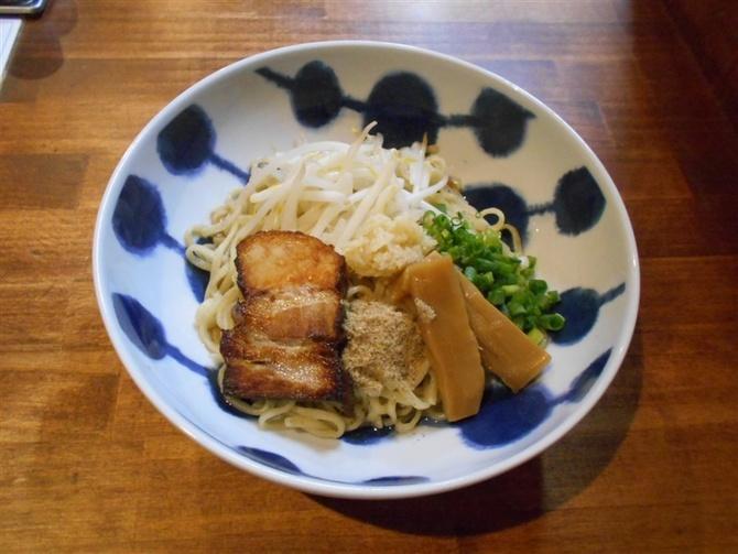 小倉油麺専門 山希 しょうが油そばがお薦め 北九州市小倉北区