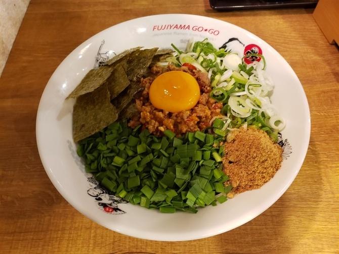 フジヤマ55 福岡天神店 うま辛の「台湾まぜそば」 福岡市中央区
