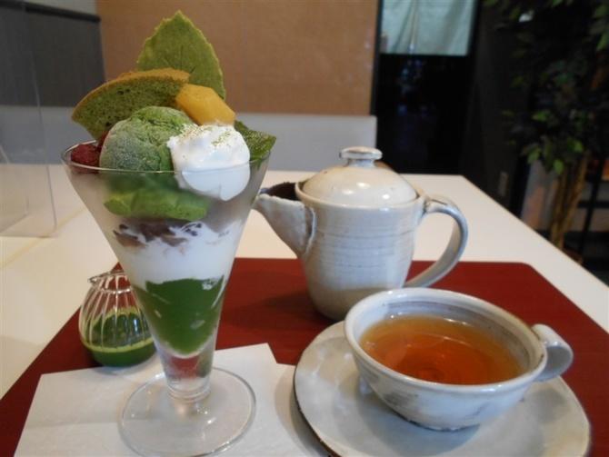 茶房Tre. 金、土曜限定のパフェも 福岡市東区
