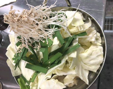 もつ処 岩見 3種の味のもつ鍋を用意 福岡市早良区