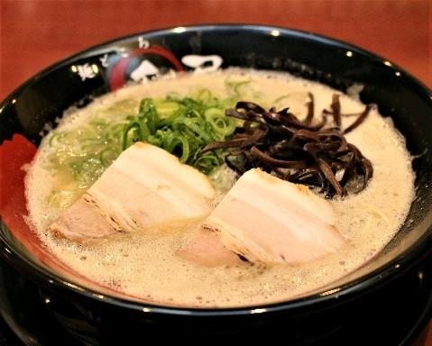 麺どころ 千屋 泡系濃厚とんこつが名物 福岡市東区