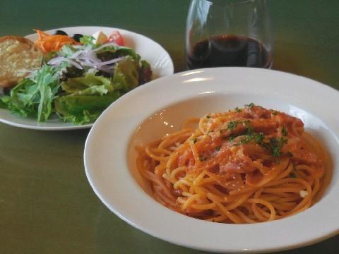 小さなパスタ屋Tino イタリアの食堂を意識 福岡市中央区