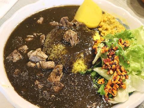 アジアンカフェ なんば 香り豊かなカレーを満喫 長崎市宝町