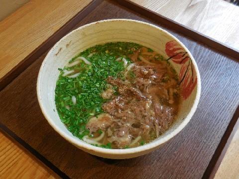 牛テールうどん 和尾 風味豊かなスープが自慢 福岡市南区