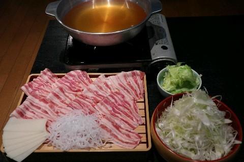 博多葱しゃぶ 一休。 銘柄豚肉とネギの鍋料理 福岡市中央区
