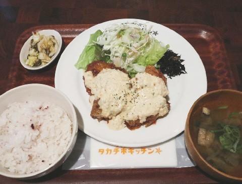 タカチホキッチン 一押しはチキン南蛮定食 福岡市中央区