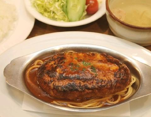 街の小さなレストラン9.9.9. 地元に愛される洋食店 北九州市小倉北区