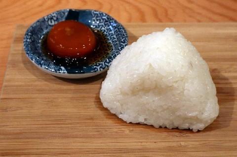 原始焼酒場 けごむす 自社栽培米の「おむすび」 福岡市中央区