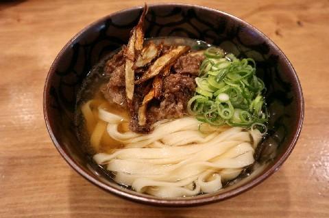 立ち呑みとうどん みのり 和牛の肉うどんがお薦め 福岡市中央区
